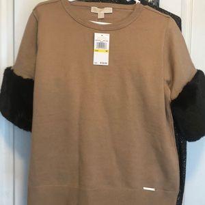 medium Michael Kors sweater blouse with fur arms